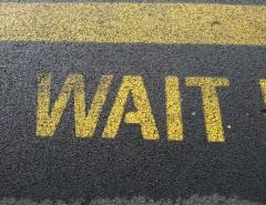 wait-661072_1920